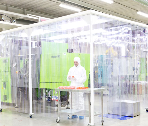 Injection moulding in a clean room for a totally clean production ...